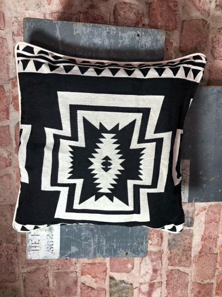 Pillow black 50x50cm