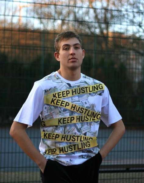 T-Shirt Keep Hustling white