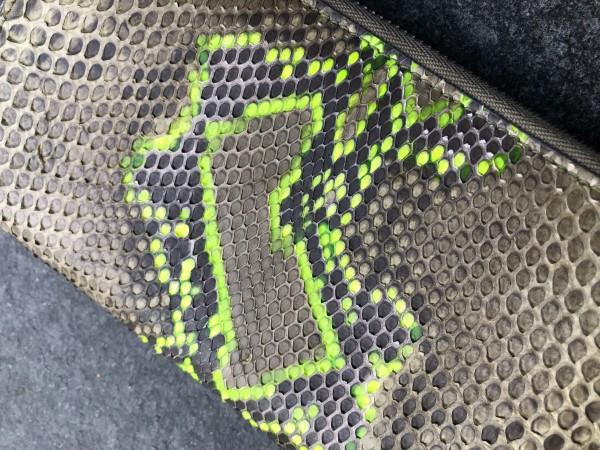 Leather Zipp Wallet Python olive neon Gelb