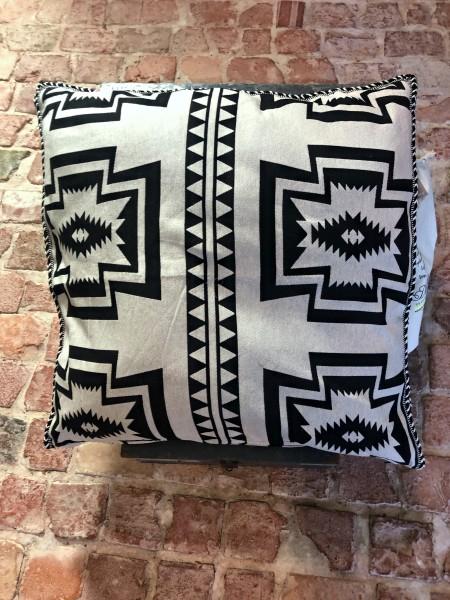 Pillow Black/Offwhite 80x80