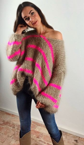 Oversized Knit Sand/Fluo Pink